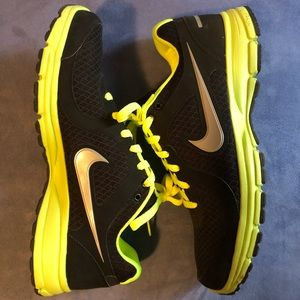 Nike Shoes - Nike Air Relentless, used, size 11, no box